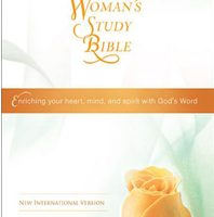 The Woman's Study Bible: Enriching Your Heart, Mind, and Spirit With God's Word (NIV, 6922)